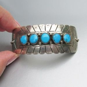 Jewelry - Vintag Native American Sterling Turquoise Bracelet